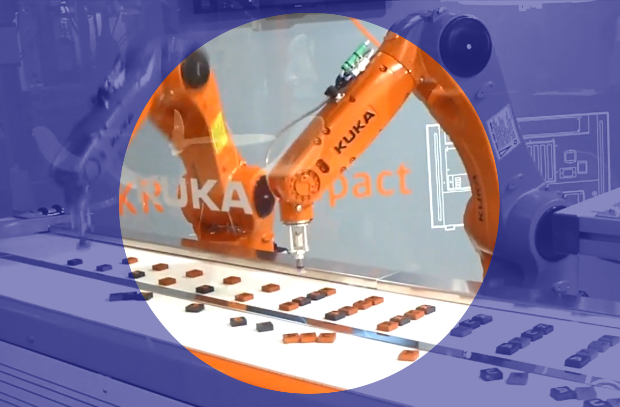 Robotic Arm manufacturing a